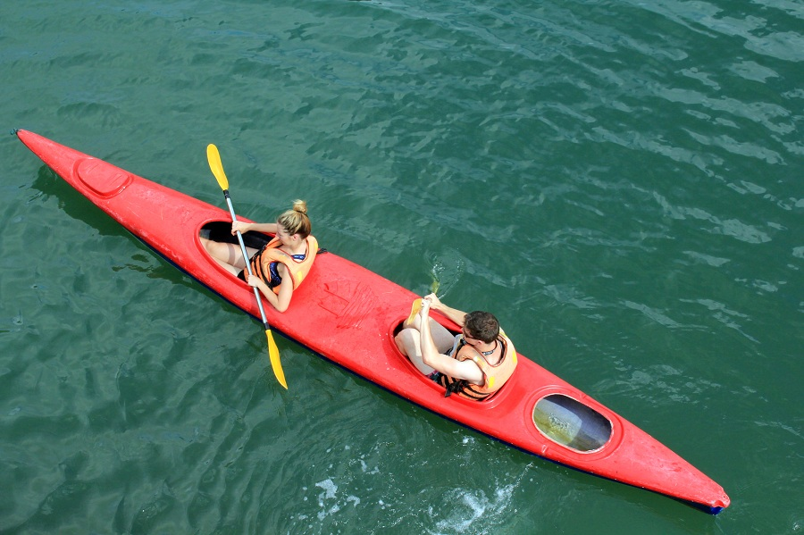 Kayaking to explore Halong bay