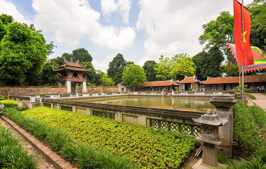 Visit temple of literature