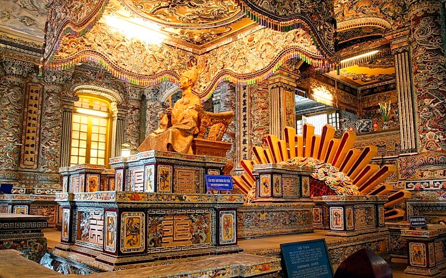<p>Inside of Khai Dinh King's tomb</p>