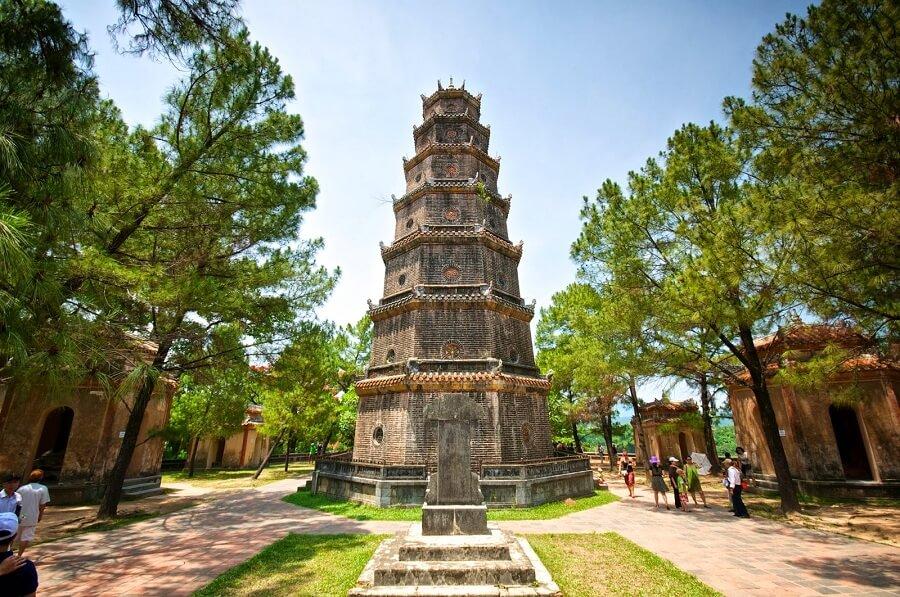 <p>Hue city tour full day - discover Thien Mu pagoda</p>