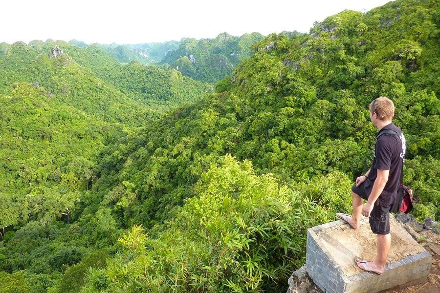 <p>Cat Ba national park</p>