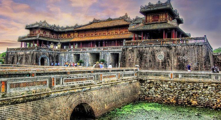 Hoàng thành tại cố đô Huế