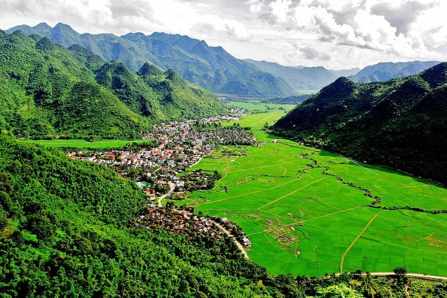 <p>Thung lũng Mai Châu xinh đẹp</p>