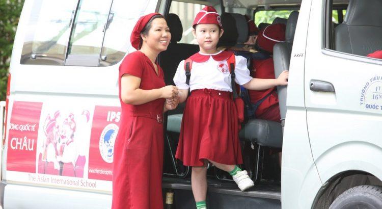 Dịch vụ đưa đón học sinh bằng ô tô tại Hà Nội giá rẻ