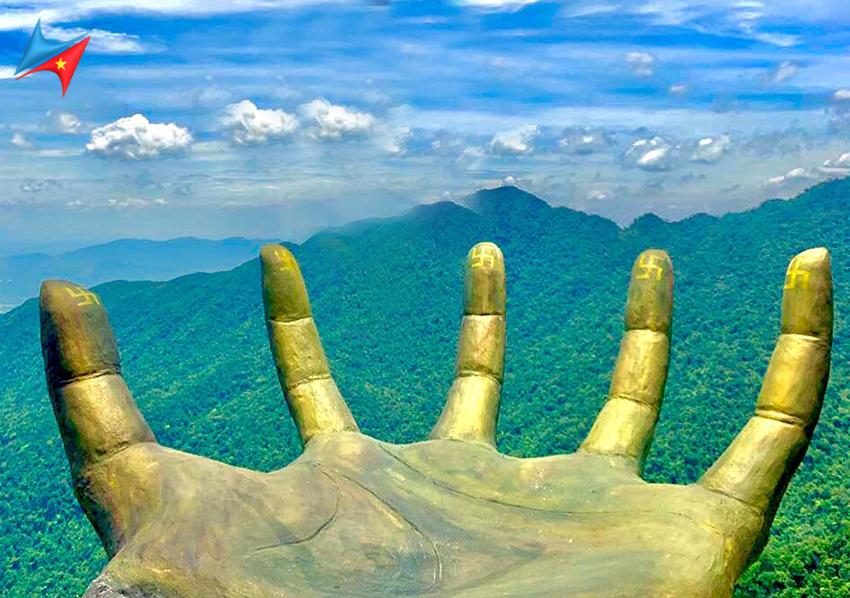 Bàn tay vàng ở cổng trời Tam Đảo
